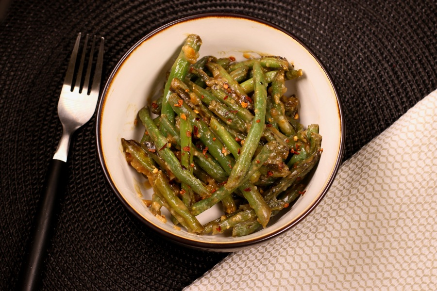 miso garlic blistered green beans